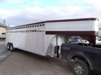 Commercial Gooseneck Livestock Trailers - GNL 73A