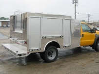 Open Middle Service Truck Bodies - SBO 28B
