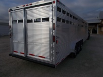 Commercial Gooseneck Livestock Trailers - GNL 113A